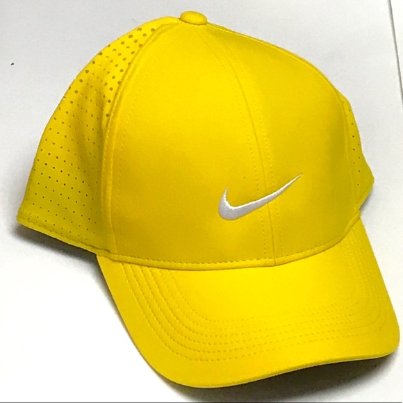 17b3c09c2e74d NWT - NIKE Legacy91 Perforated Hat